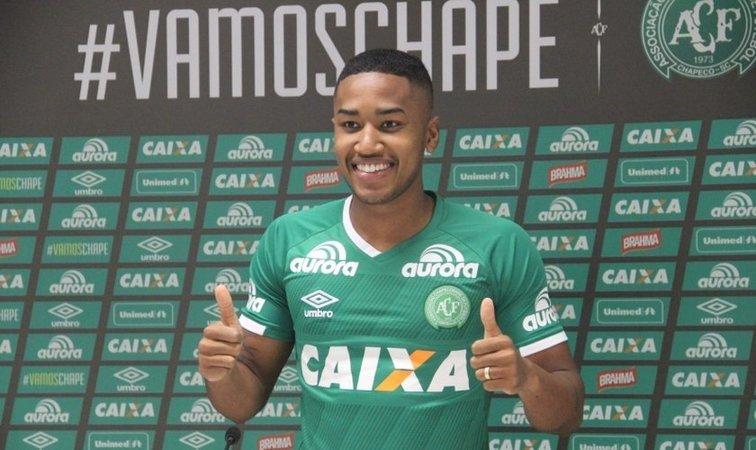 Matheus Biteco foi apresentado ao clube catarinense na metade do ano passado. Foto: Chapecoense