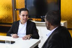 Visita ao gabinete do secretário municipal de Infraestrutura e Mobilidade (SMIM), Elizandro Sabino. Na foto, o vereador Tarciso Flecha Negra, presidente da Cece, com o secretário.