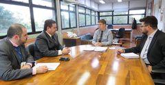 Reunião com secretário da Smam aconteceu na sede da secretaria.