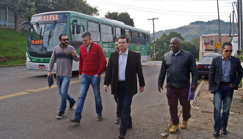 Wambert propôs visita aos bairros após se reunir com moradores na Câmara de Porto Alegre.