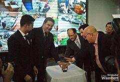 Botão de acionamento simbólico marcou inauguração do sistema de monitoramento.