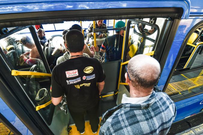 Projetos do Executivo tratam do transporte público