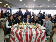 Vereadora Comandante Nádia com a secretária Maria Helena Sartori e o presidente da Fecomércio no café de lançamento da Cartilha.