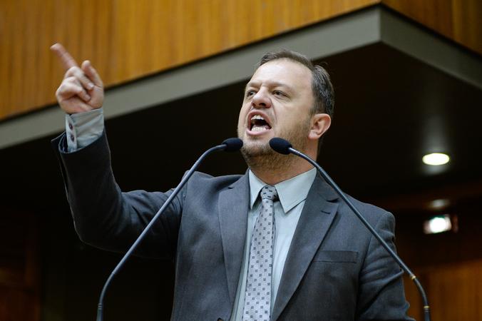 Votação da criação de Frente Parlamentar em defesa do Meio Passe, de autoria do vereador André Carús. Na foto, o vereador André Carús.