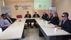 Vereador Alvoni Medina, com demais representantes de entidades, na reunião da Frente Parlamentar em Defesa dos Direitos da PcD