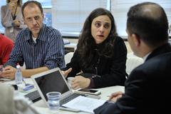 Reunião sobre possíveis mudanças no transporte coletivo, como a baldeação da Linha Herdeiros e de outras oito linhas da região de Porto Alegre. Na foto, os vereadores Marcelo Sgarbossa e Fernanda Melchionna.