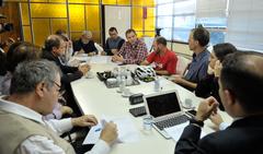 Reunião sobre possíveis mudanças no transporte coletivo, como a baldeação da Linha Herdeiros e de outras oito linhas da região de Porto Alegre.