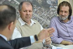 Reunião sobre possíveis mudanças no transporte coletivo, como a baldeação da Linha Herdeiros e de outras oito linhas da região de Porto Alegre. Na foto, os vereadores Dr. Goulart e Aldacir Oliboni.