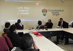 Reunião sobre a ação de reintegração de posse e alternativas para reassentamento de famílias que ocupam as moradias do empreendimento Senhor do Bom Fim, no Bairro Sarandi.