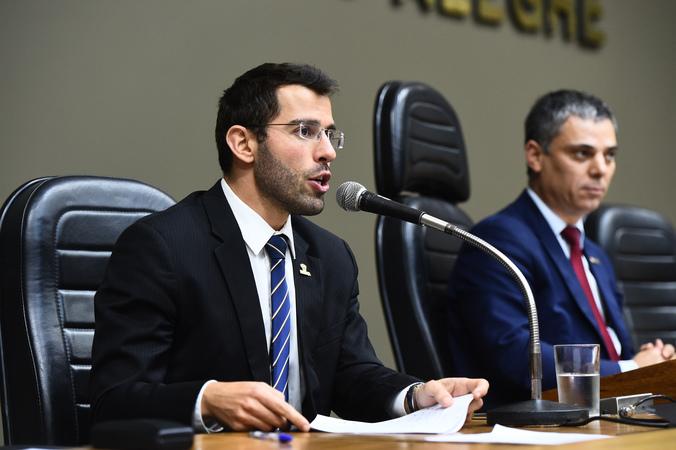 Comparecimento do secretário Municipal da Fazenda, Leonardo Busatto.