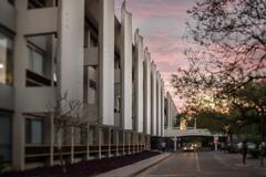 Câmara Municipal tem sua sede na Avenida Loureiro da Silva, 255