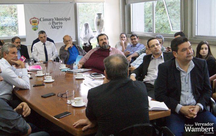 Reunião aconteceu na Câmara Municipal de Porto Alegre. Foto: Marco Pecker