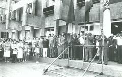A solenidade de inauguração da atual sede, o Palácio Aloísio Filho, em 1º de maio de 1986