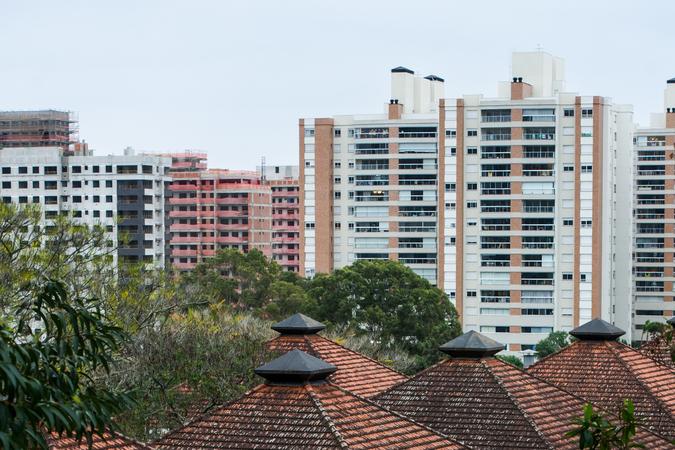 Vista de Porto Alegre. Construção civil. IPTU. Prédios.