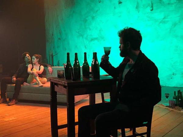 III Mostra de Artes Cênicas e Música do Teatro Glênio PeresPeça Fala do Silêncio - Amor Naufrágio e Rock and Roll, da Cia. Rústica de Teatro
