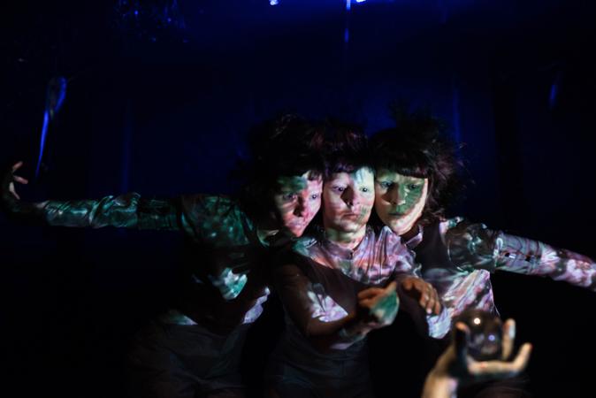 III Mostra de Artes Cênicas e Música do Teatro Glênio Peres. Espetáculo circense ATMA.
