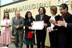 Vitor Ortiz (C) recebeu diploma Foto: Elson Sempé Pedroso