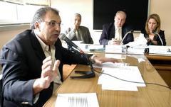 Diretor do DMLU explicou na Cefor oprocesso de licitação do lixo Foto: Elson Sempé Pedroso