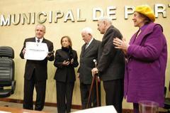 Amaral recebeu título da Câmara  Foto: Caroline da Fé