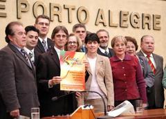 Campanha para recolher alimentos foi apresentada aos vereadores Foto: Elson Sempé Pedroso