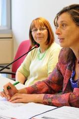 Maria da Graça (e) e Sofia na reunião da Cece Foto: Elson Sempé Pedroso