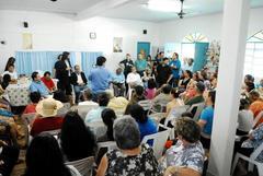Reunião sobre o PSF Batista Flores foi no salão da igreja Foto: Camila Domingues