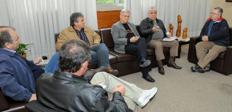 Direção do Beneficiência esteve na manhã desta sexta com vereadores Foto: Tonico Alvares