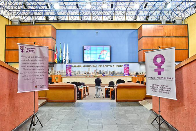 Seminário Nacional: Qual o currículo para uma educação não sexista?