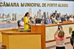 Período de Comunicações - Homenagem aos cinquentenário do Partido do Movimento Democrático Brasileiro – PMDB. Na foto: Vereadora Lourdes Sprenger