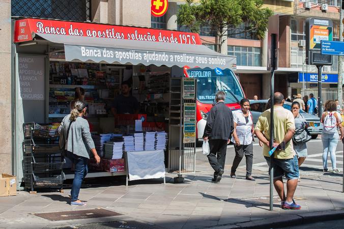 Projeto de Lei discute sobre localização de bancas no mobiliário urbano.
