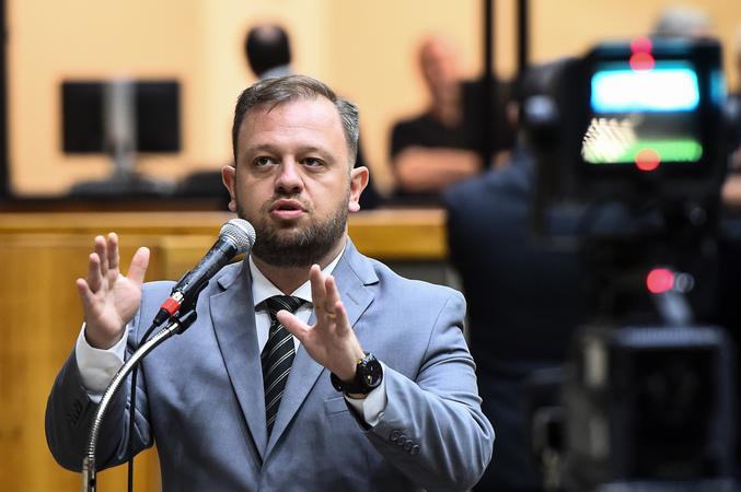Movimentação de plenario. Vereador André Carús