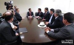 Procurador-Geral de Justiça do RS, Fabiano Dallazen, e demais representantes do MP receberam os vereadores. Foto: Marco Pecker