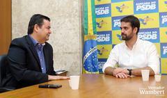 Reunião aconteceu na bancada do PSDB, na Assembleia Legislativa do Estado. Foto: Marco Pecker