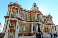 Prédio da Prefeitura Municipal de Porto Alegre.