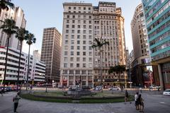 Praça Montevidéu, localizada em frente ao Paço Municipal