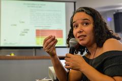 Reunião de encerramento e apresentação do relatório das atividades desenvolvidas pelo Grupo de Trabalho sobre as etapas do Projeto Federal Minha Casa Minha Vida e consequentes desdobramentos. Na foto, a arquiteta e apoiadora do Coletivo de Síndicos do MCMV, Fernanda de Bittencourt Escobar.