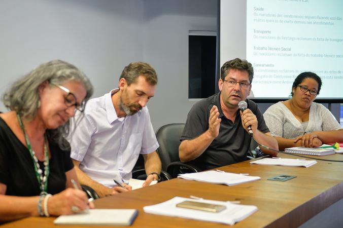 Reunião de encerramento e apresentação do relatório das atividades desenvolvidas pelo Grupo de Trabalho sobre as etapas do Projeto Federal Minha Casa Minha Vida e consequentes desdobramentos. Na foto, o engenheiro da SMS, Elmo Raupp Viegas (ao microfone).