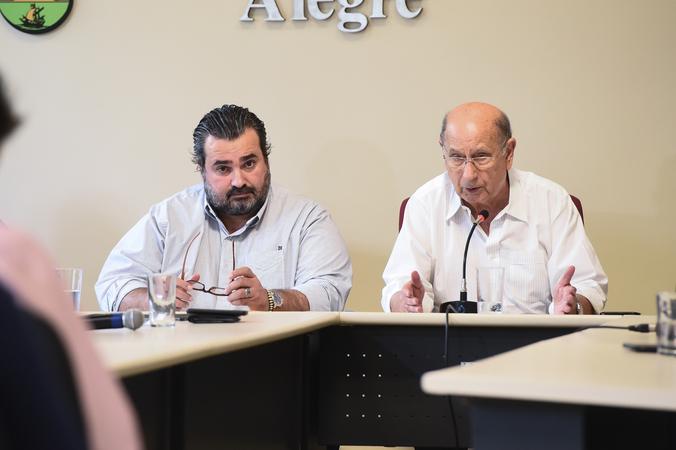 Comissão Especial do Transporte Coletivo. Na foto, vereadores Clùadio Janta (relator) e Reginaldo Pujol (presidente)