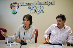 Comissão discute o transporte de crianças portadoras de necessidades especiais. Na foto, a vereadora Comandante Nádia e os vereador Cassiá Carpes e Dr. Thiago (ao microfone).