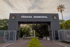 O pórtico de entrada do Legislativo de Porto Alegre