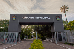 Câmara Municipal está localizada na Avenida Loureiro da Silva