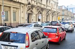 Veículos no trãnsito do centro