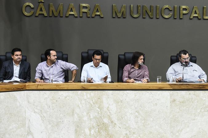Votação do relatório final da Comissão Especial do Transporte Coletivo.