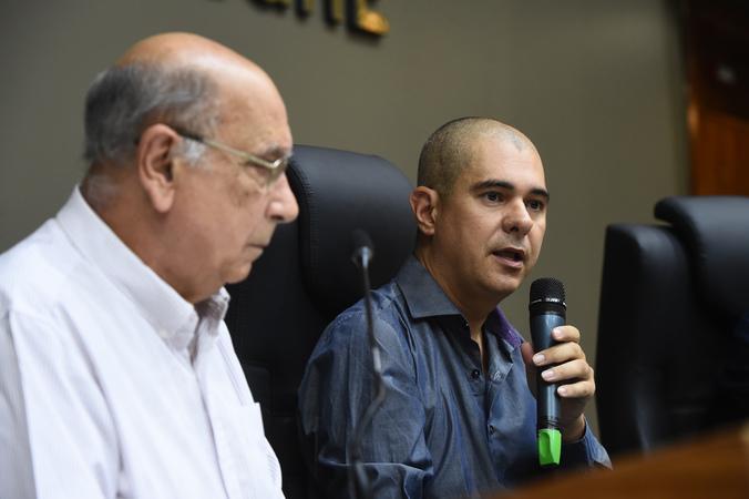 Votação do relatório final da Comissão Especial do Transporte Coletivo. Na foto, vereador Luciano Marcantônio