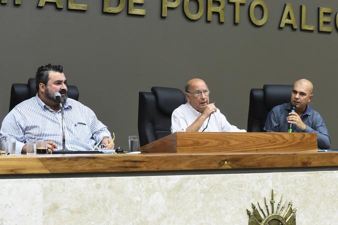 Votação do relatório final da Comissão Especial do Transporte Coletivo. Na foto, os vereadores Clàudio Janta, Reginaldo Pujol e Luciano Marcantônio