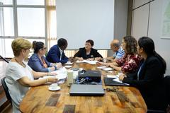 Reunião extraordinária da CECE com a Secretária-Adjunta da Secretaria de Educação do Estado do RS Iara Sílvia Lucas Wortmann. Na foto, o presidente da comissão Tarciso Flecha Negra, a secretária-adjunta e os vereadores Reginaldo Pujol e Sofia Cavedon.