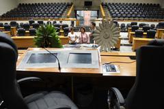 Velório do ex-presidente da Câmara Municipal de Porto Alegre, vereador Cleom Guatimozim. Em primeiro plano, cadeira da presidência da Câmara no Plenário Otávio Rocha