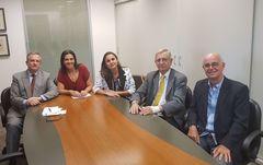 Da esq. para a dir: Francisco de Asís Benítez Salas, Adriana Reis, Vivian Carneiro, João Carlos Nedel e José Antonio Célia