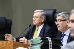 Vereador João Carlos Nedel na presidência da sessão