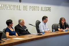 """Presidente participa Solenidade de Abertura do Seminário """"Sandra Pesavento e a História de Porto Alegre""""."""